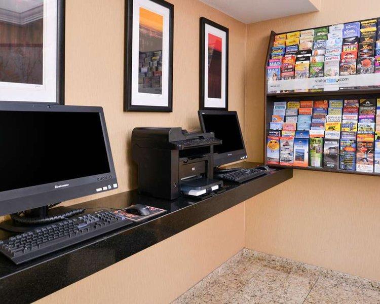 Best Western Plus Raffles Inn & Suites Lounge/Empfang