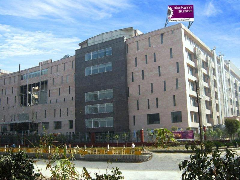 Clarks Inn Suites - Delhi/NCR Außenaufnahme