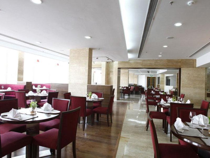 Clarks Inn Suites - Delhi/NCR Restaurant