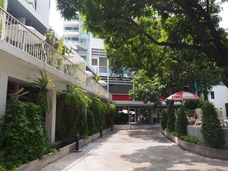 RetrOasis Hotel Garten