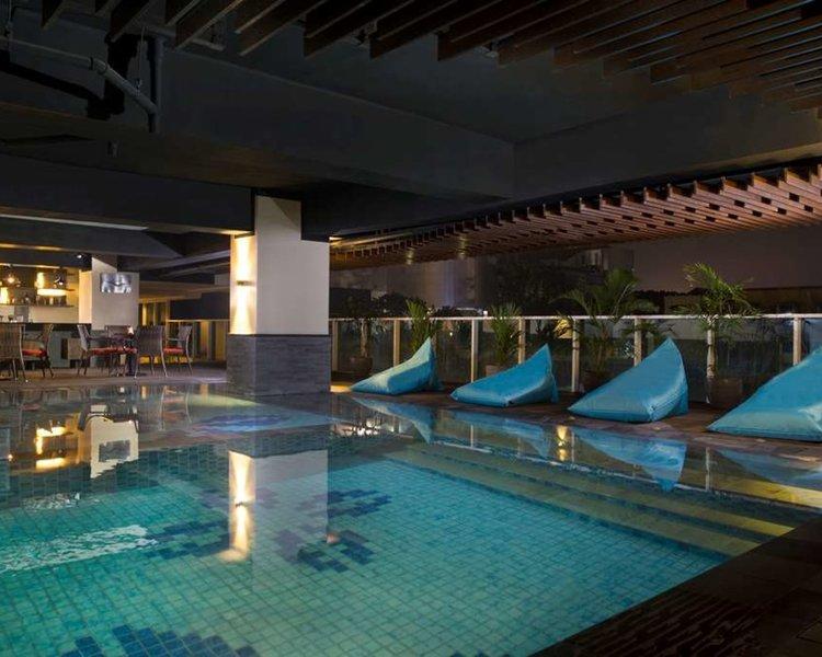 Best Western Premier La Grande Hotel Pool