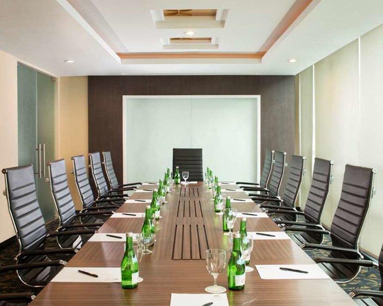 Best Western Premier La Grande Hotel Konferenzraum