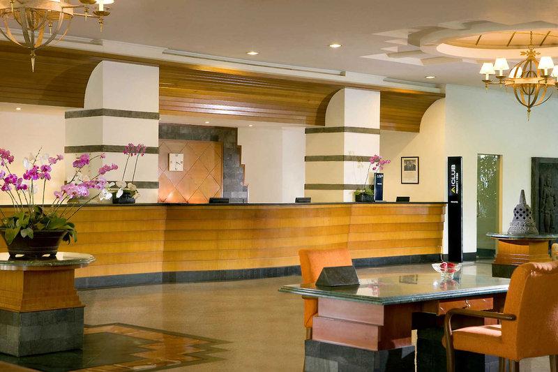 Novotel Yogyakarta Bar