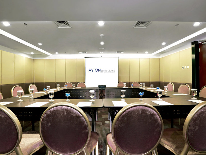 Aston Sentul Lake Resort & Conference Center Konferenzraum