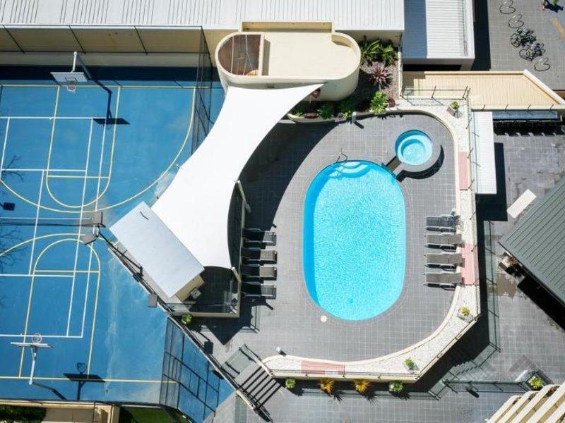 BreakFree Cosmopolitan Pool