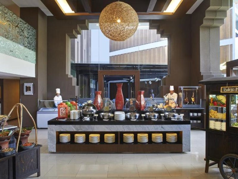 Aston Sentul Lake Resort & Conference Center Restaurant