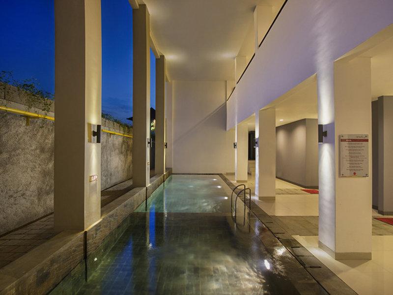 Amaris Hotel Lebak Bene Kuta Pool
