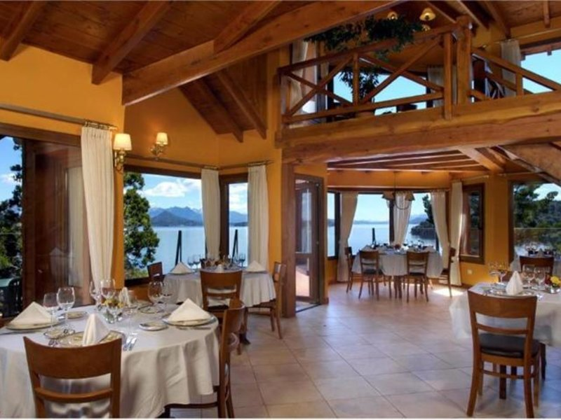 Charming Luxury Lodge & Private Spa Restaurant