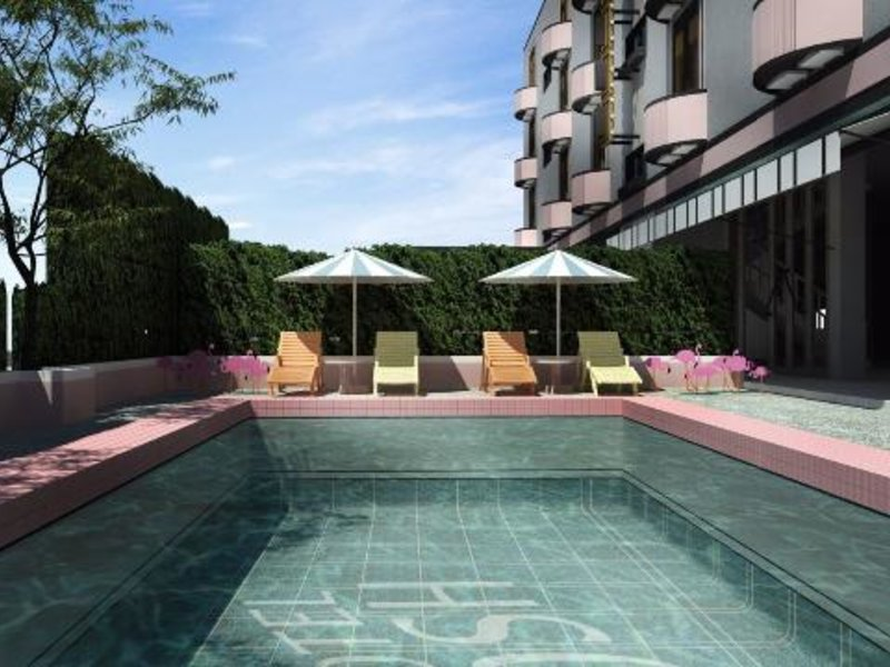 Josh Hotel Pool