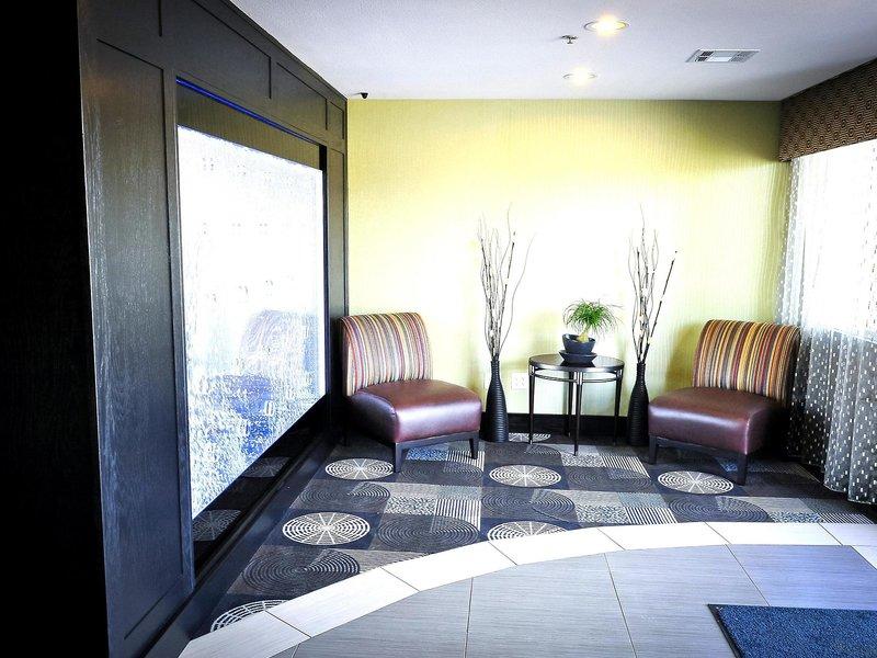 Best Western Plus Arlington North Hotel & Suites Wellness