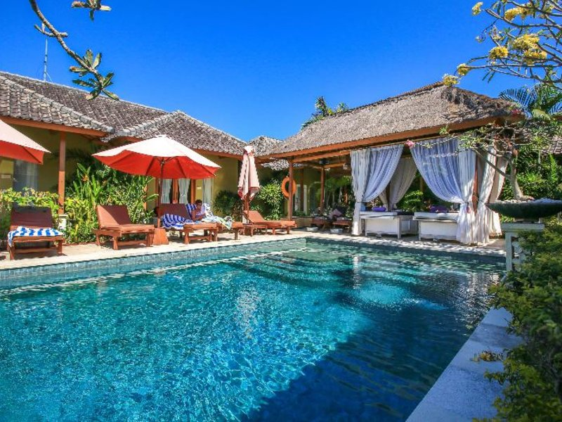 ALeesha Villas & Suites Pool