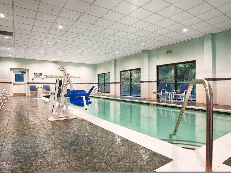Best Western Plus Brunswick Bath Pool