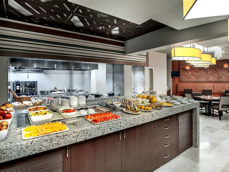 Hyatt Place Yerewan Restaurant