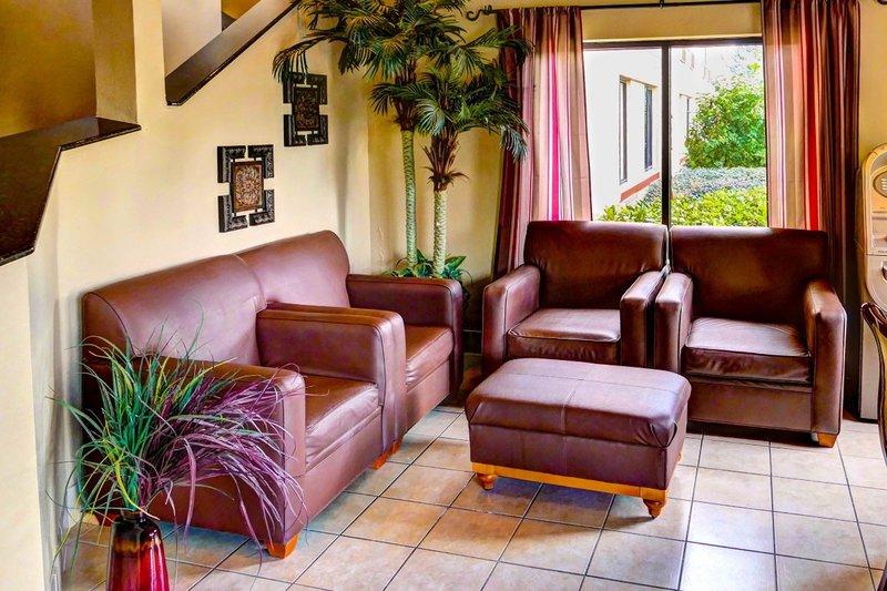Destiny Palms Lounge/Empfang