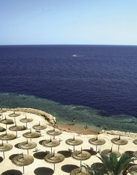 Reef Oasis Blue Bay Resort & SpaStrand