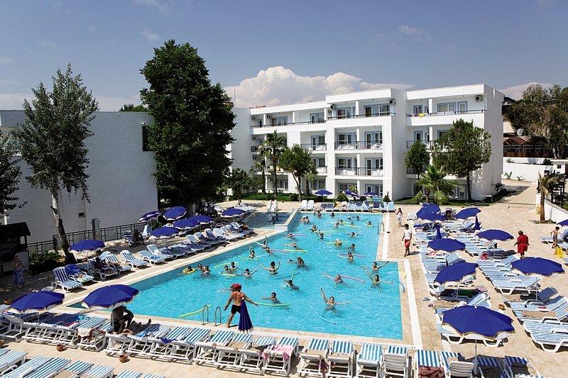 Larissa Beach Club Pool