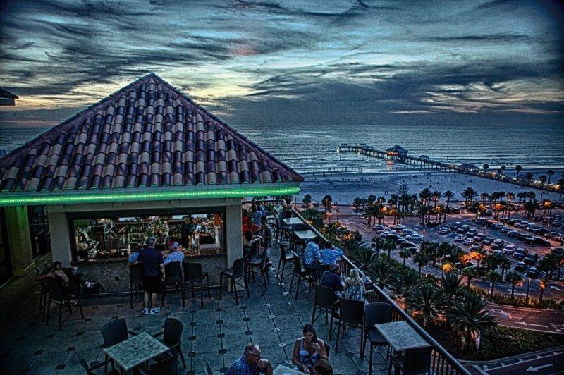 Pier House 60 Marina Bar