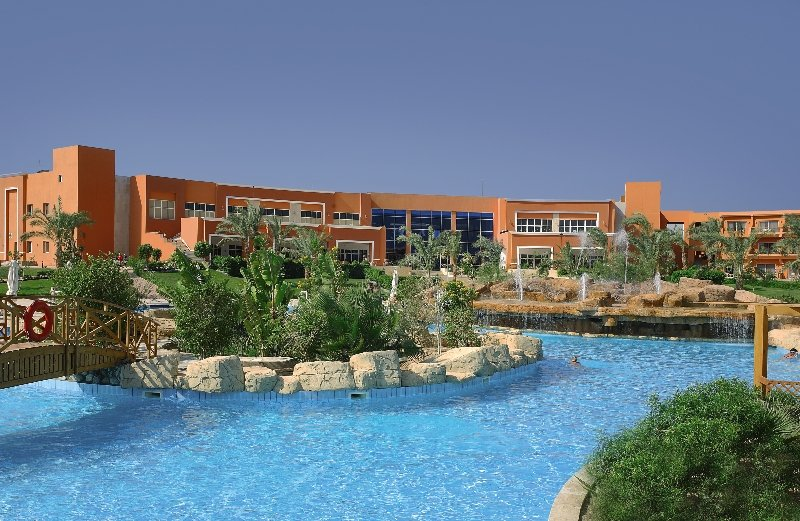 Amwaj Oyoun Resort & Spa Pool