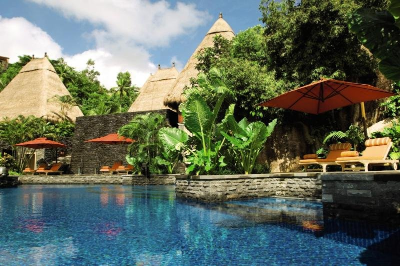 Maia Luxury Resort & Spa Pool