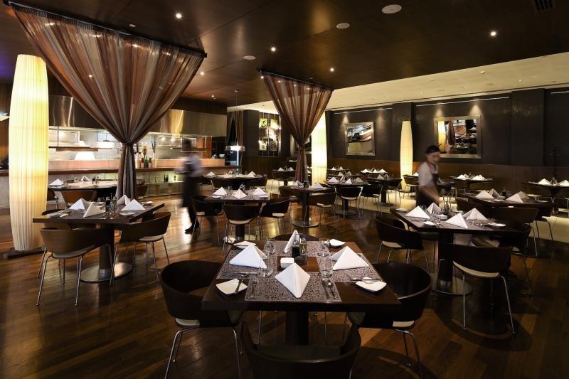 ibis World Trade Center Dubai Restaurant