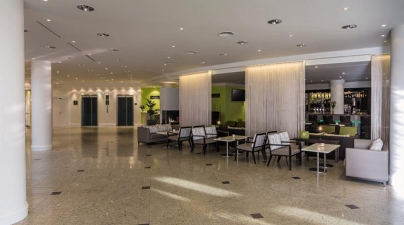 Hilton Garden Inn Vienna South Lounge/Empfang