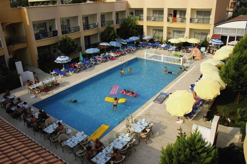 Sayanora Hotel Pool