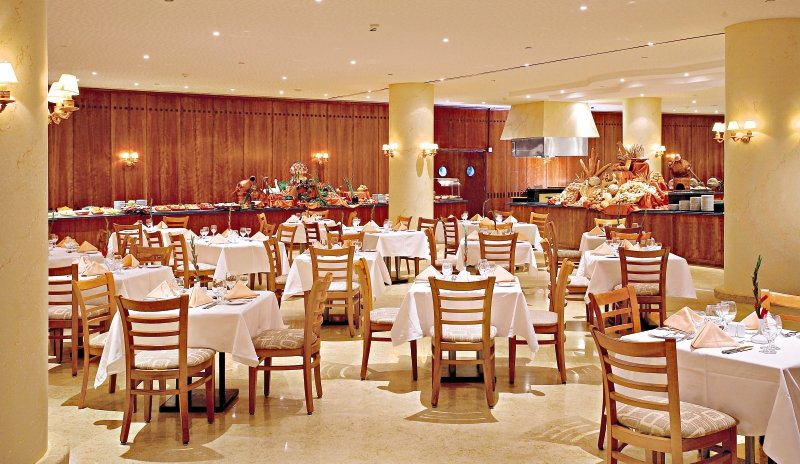 Amwaj Oyoun Resort & Spa Restaurant