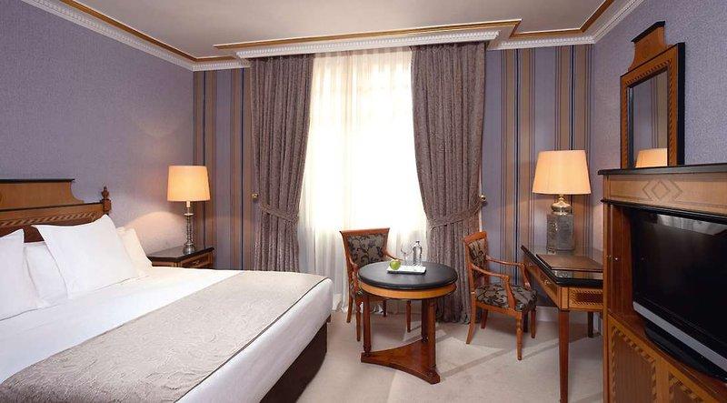 Eurostars Hotel de La Reconquista Wohnbeispiel