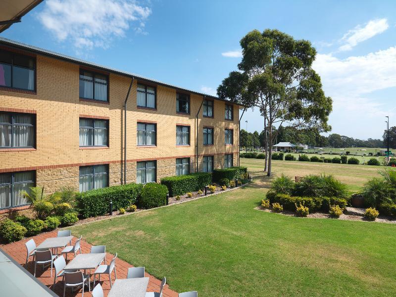 Travelodge Hotel Blacktown Sydney Garten