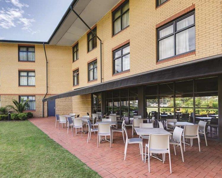 Travelodge Hotel Blacktown Sydney Terrasse