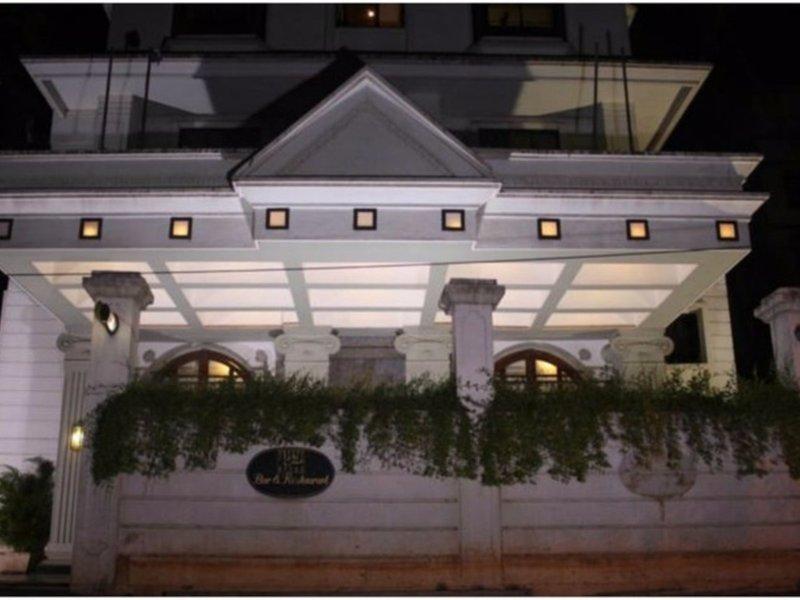 Hotel Karl Residency Außenaufnahme