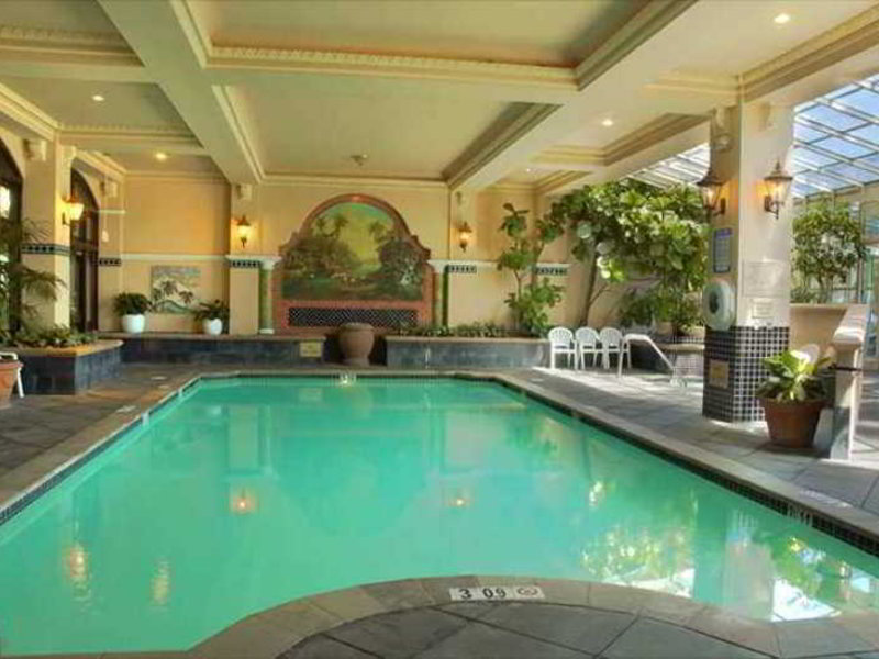 Embassy Suites by Hilton San Francisco Airport Waterfront Pool