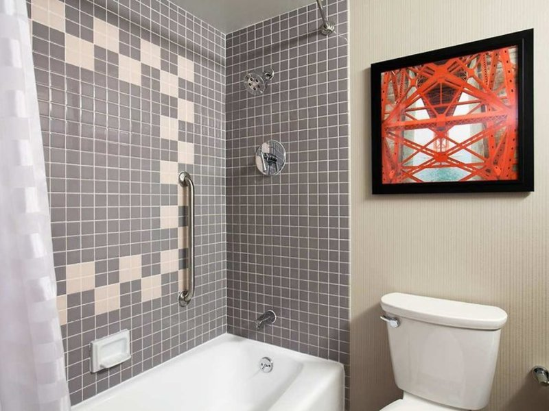 Embassy Suites by Hilton San Francisco Airport Waterfront Badezimmer