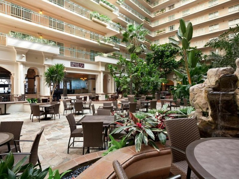 Embassy Suites by Hilton San Francisco Airport Waterfront Lounge/Empfang