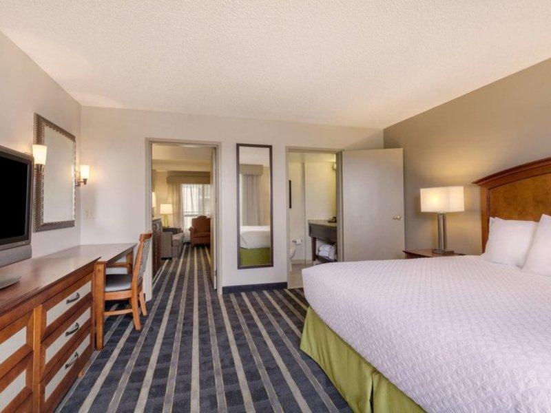 Embassy Suites by Hilton San Francisco Airport Waterfront Wohnbeispiel