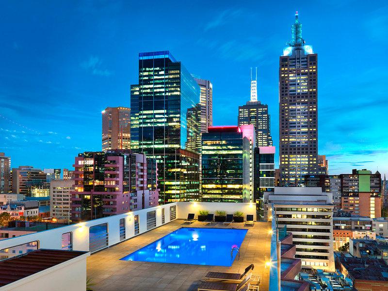 Grand Chancellor Melbourne Pool