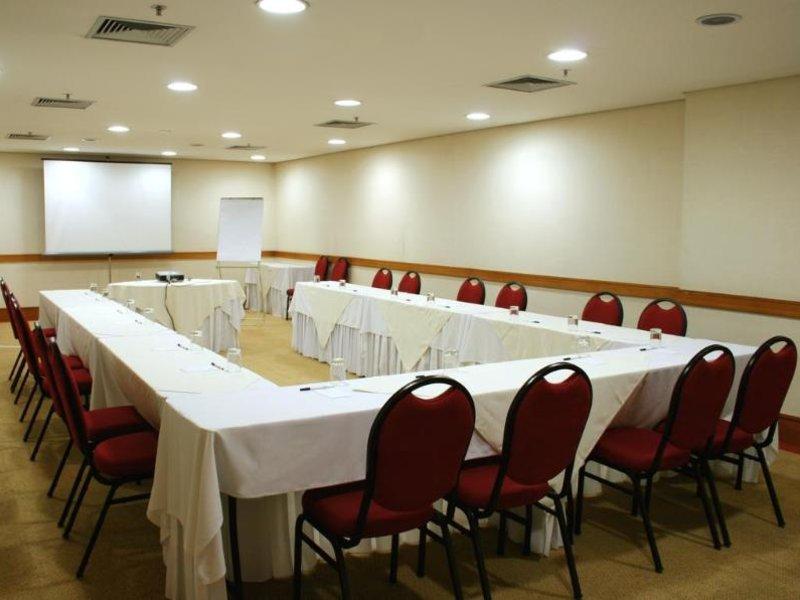 Slaviero Executive Jardins Konferenzraum