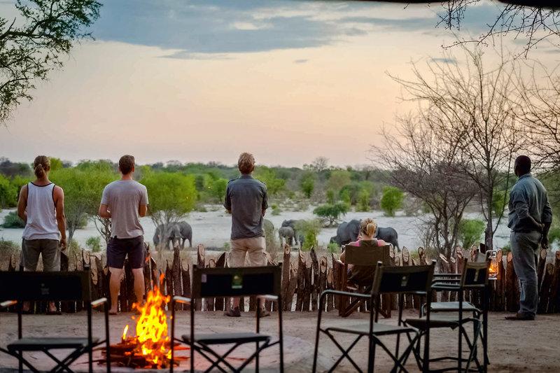 Tuskers Bush Camp Terrasse