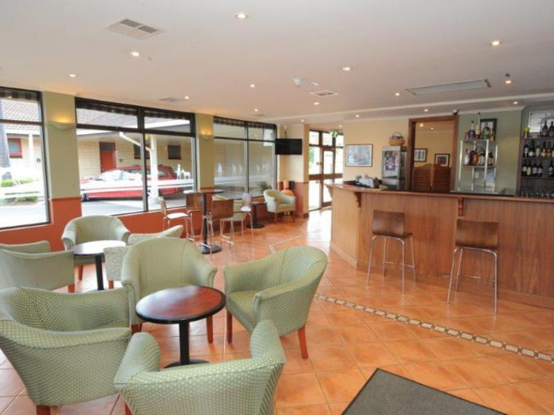 Comfort Inn Anzac Highway Bar