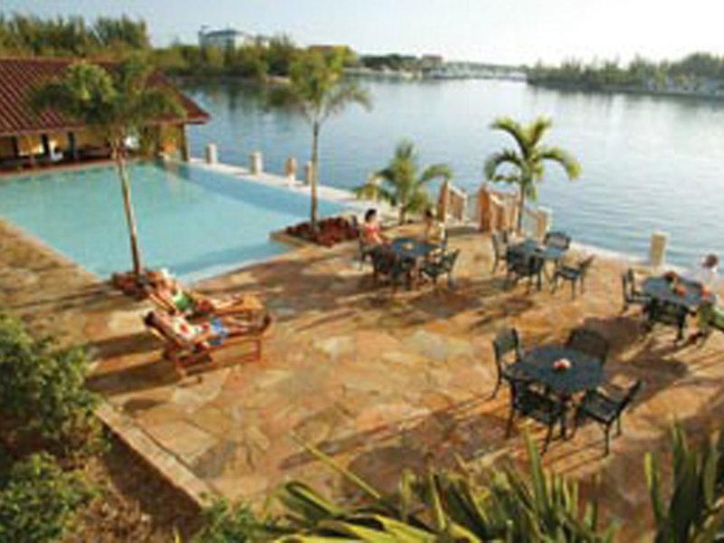 Pelican Bay at Lucaya Pool