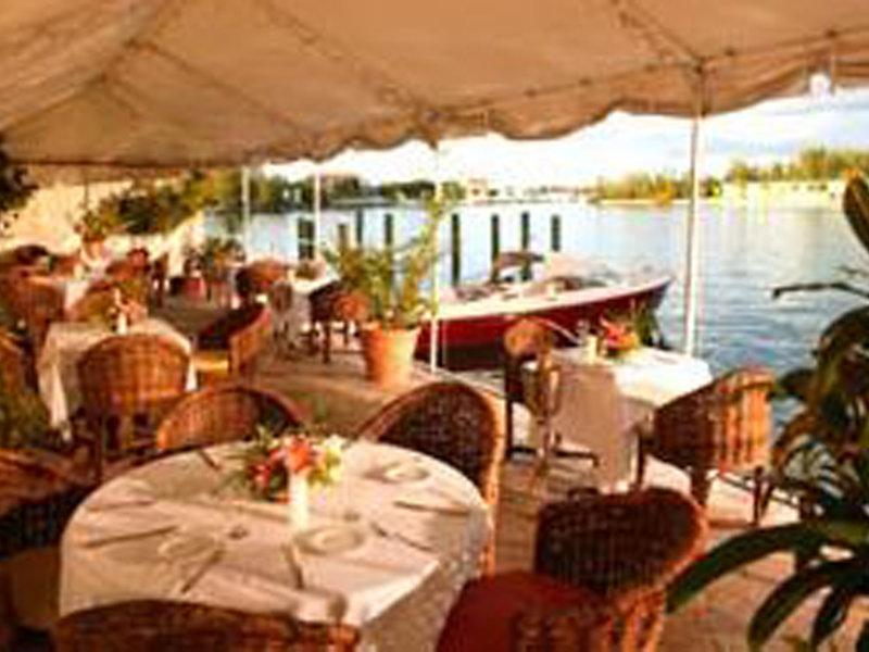 Pelican Bay at Lucaya Restaurant
