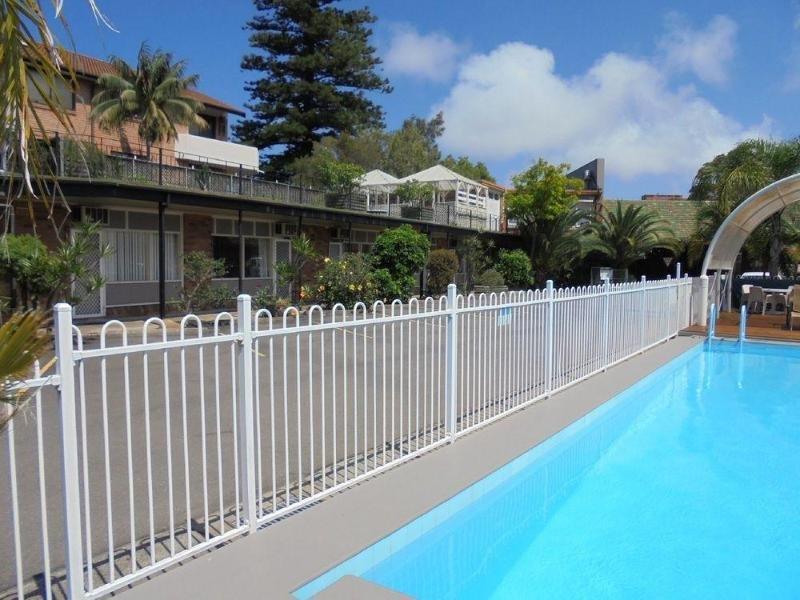 Ultimate Apartments Bondi Beach Pool
