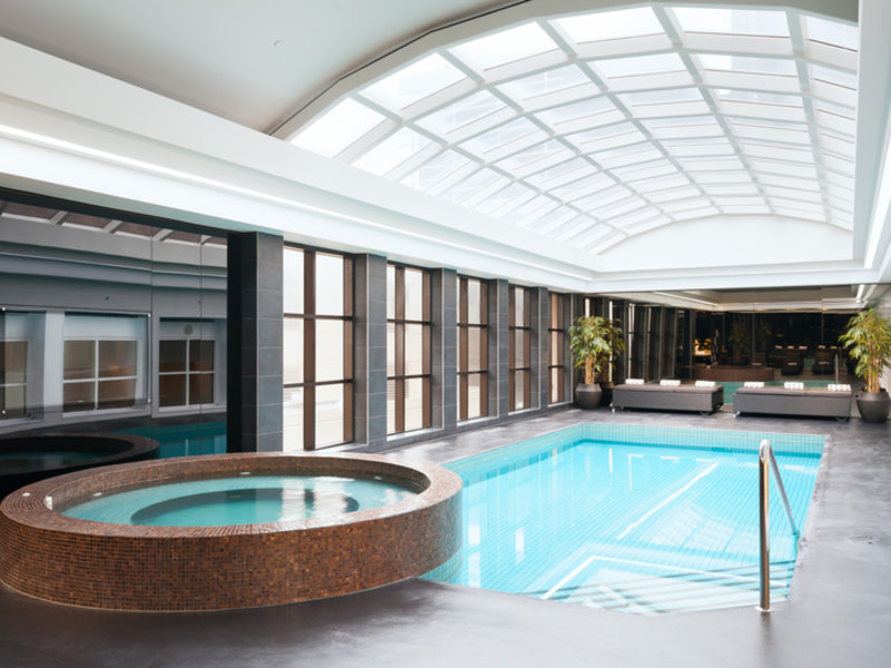 Stamford Plaza Melbourne Pool