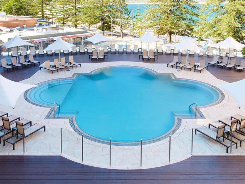 Crowne Plaza Terrigal Pool