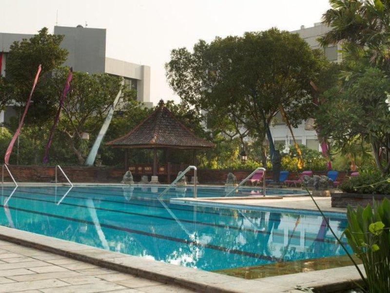 Bumi Surabaya City Resort Pool