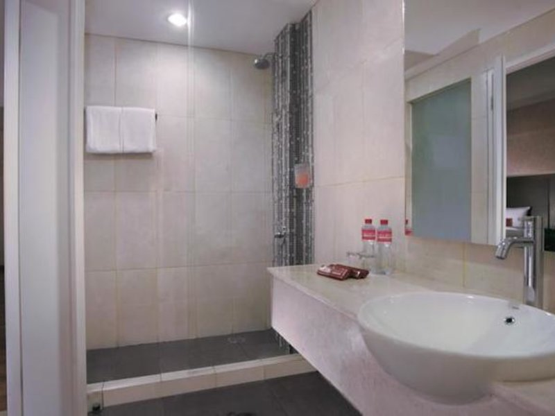 favehotel Graha Agung Surabaya Badezimmer