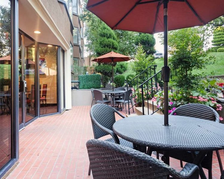 Best Western Plus Seville Plaza Hotel Außenaufnahme