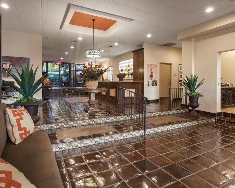 Best Western Plus Seville Plaza Hotel Bar