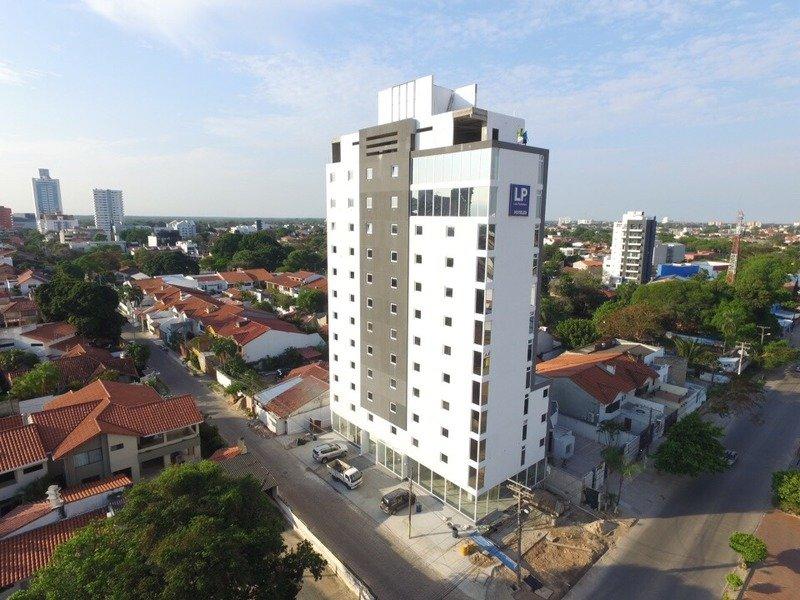 Hotel LP Equipetrol Außenaufnahme