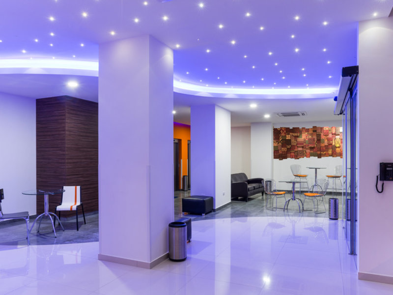 Hotel LP Equipetrol Lounge/Empfang